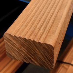 Niové onderligger geschaafd hardhout 40x62x4500mm